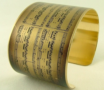best-gifts-for-music-lovers-bracelet